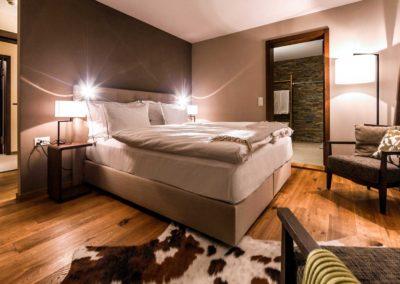 Chesa-Rustica-Schlafzimmer02